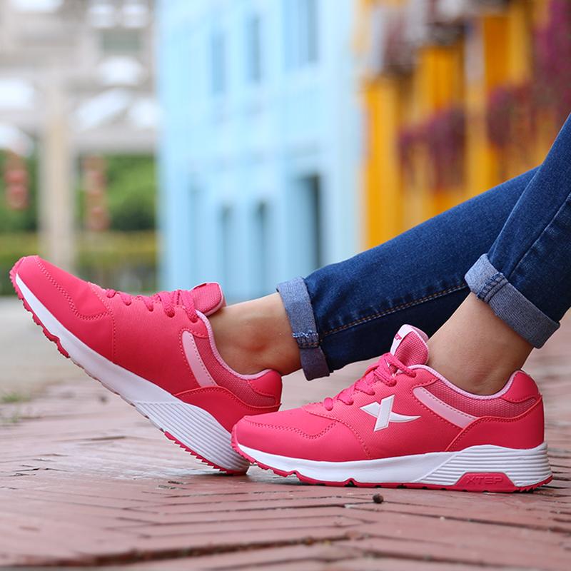 特步女鞋跑步鞋冬季2016新款运动鞋女休闲鞋学生旅游鞋保暖秋跑鞋