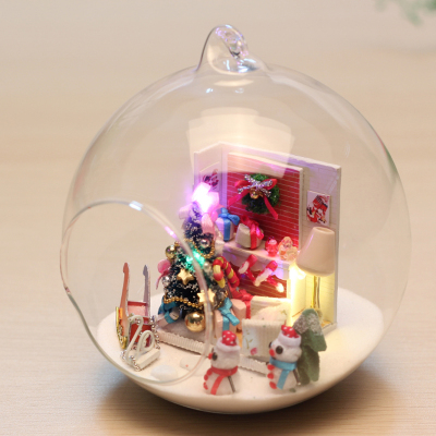 diy cabin mini DIY handmade Christmas scene assembled model toy creative gifts with glass ball