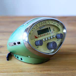 复古流线造型收音机