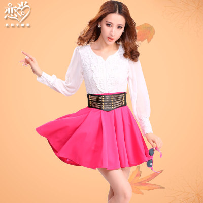 The new Slim was thin waist skirt bottoming female splicing fake two ladies lace dress lantern sleeve ladies