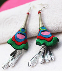 Сувениры Мяо Embroidered earrings