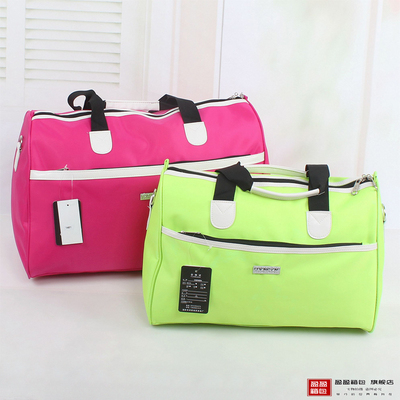New shipping large capacity bag luggage bag men and women travel bag short business student sports package deals