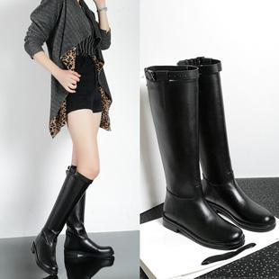 新款英伦平底低跟高筒女靴真皮皮带扣骑士靴欧美大牌专柜高筒靴