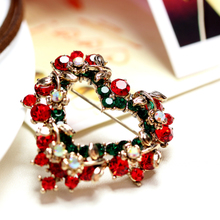 Lome jewelry fashion Christmas high-grade corsage pin female heart Cape buckles grace pins deserve to act the role of gifts