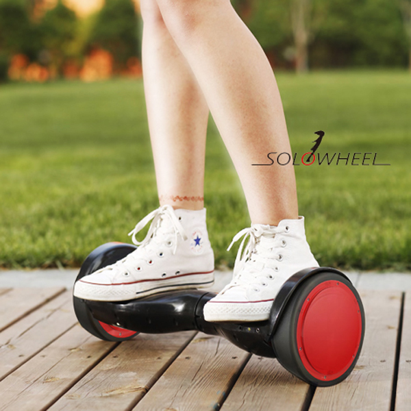 solowheel hovertrax de d rive minimale de deux roues auto quilibrage de voiture lectrique. Black Bedroom Furniture Sets. Home Design Ideas