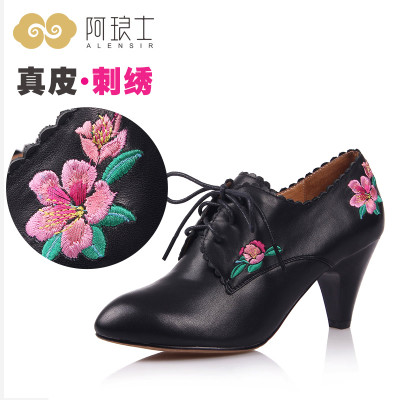 A Shi Lang autumn 2014 national wind embroidery models casual shoes leather lace deep mouth high-heeled shoes, women's singles 106
