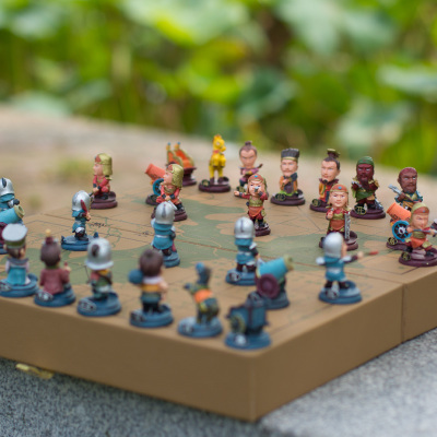 Children's educational toys boys and girls three-dimensional chess figures Q version intellectual toys birthday gift