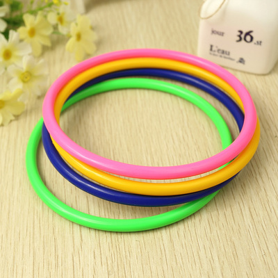 Years a large set of loops plastic big put stall in promoting special circle trap game toy plastic ring