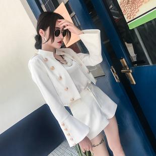 短款双排扣喇叭袖短外套女装2018春秋装夹克百搭社会