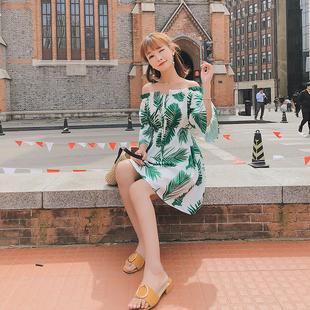 海边渡假裙女夏2018露肩条纹宽松喇叭袖一字肩连衣裙沙滩短裙