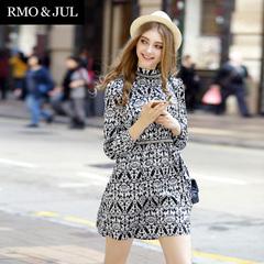 明星同款2015春装女装新优雅复古气质立领订珠装饰修身印花连衣裙