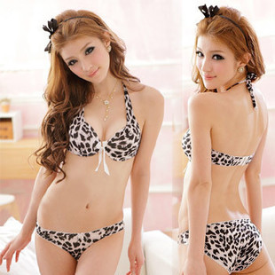Japanese deep V bra white leopard Seamless Halter super gather