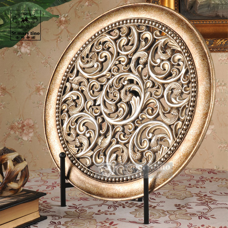 St. Mary Farentino Shengma home new European-style furnishings interior decoration decoration decorations pierced the living room Feng Shui screens