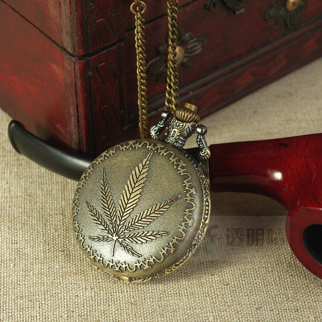 Винтажные карманные часы Торговля, продажи старинные карманные часы Карманные часы листья Королева покидает мужчин карманные часы кварцевые карманные часы