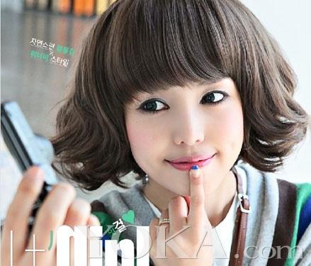 新年新假发学韩国妞学生搭出最流行的扎头发图片头应该扎什么头发好看形象图片